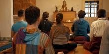 Kétnapos buddhista elvonulás Bajnán